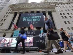 635744684460448099-AP-Financial-Markets-Wall-Street-Fitbit-IPO-001